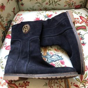 Tommy Hilfiger suede boots